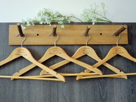 Personalised Wooden Bridal Wedding Hangers Set of 7 (D2)